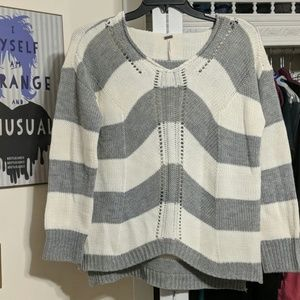 Poof Sweater Size L